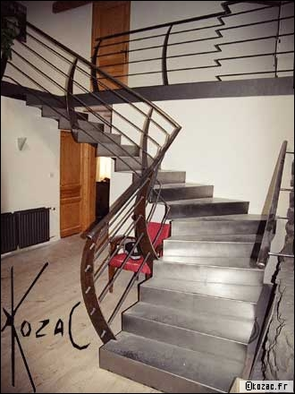 conseils d co cage d 39 escalier transparente. Black Bedroom Furniture Sets. Home Design Ideas