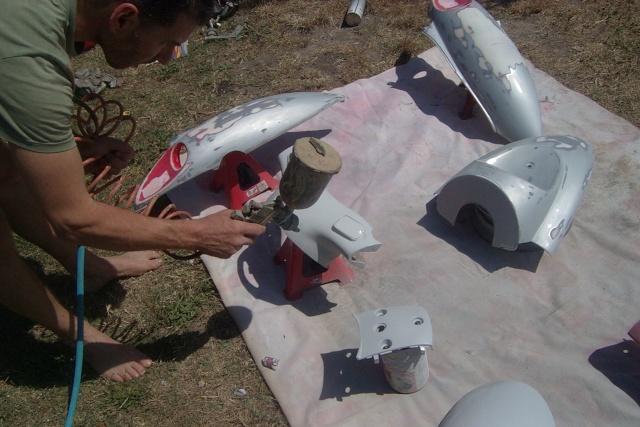 Faire sa peinture perso le top du forum mobcustom for Peindre sur du plastique