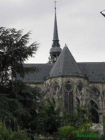 Saint Quentin et sa basilique. dans Paysages urbains et autres p8301412