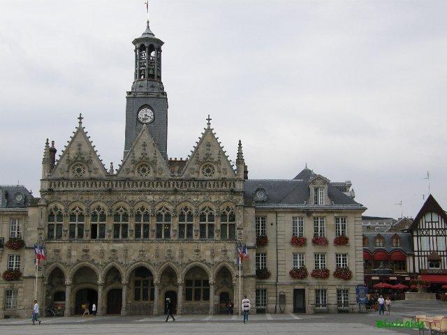 Saint Quentin, L'Hôtel de Ville. dans Paysages urbains et autres p8301414