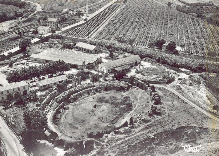 L 39 assassinat des ar nes romaines de fr jus for La table saint raphael