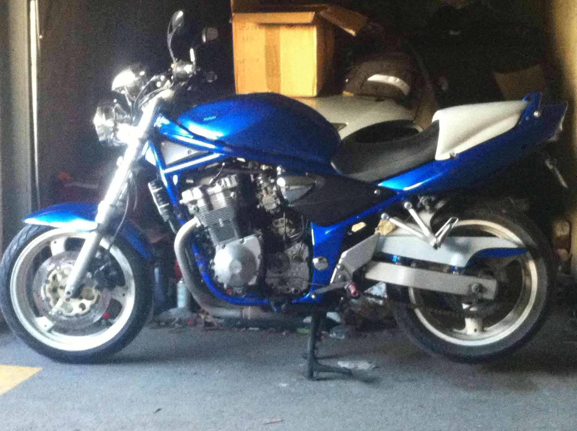 Code couleur suzuki moto id e d 39 image de moto for Peinture sprido