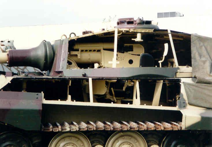 Rc panzer panzerkampfwagen vi k nigstiger n 332 for L interieur du char de vimoutier