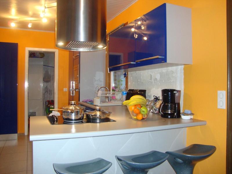 cuisine equipee quelle couleur pour mes murs page 4. Black Bedroom Furniture Sets. Home Design Ideas