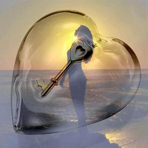 Une femme au coeur Soleil et au regard de Lune. dans CONTE ob_c5110