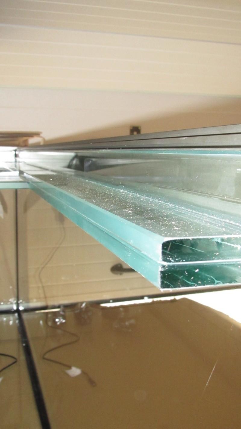 Mettre un aquarium sur un sol non plat ou pench page 2 for Aquarium plat