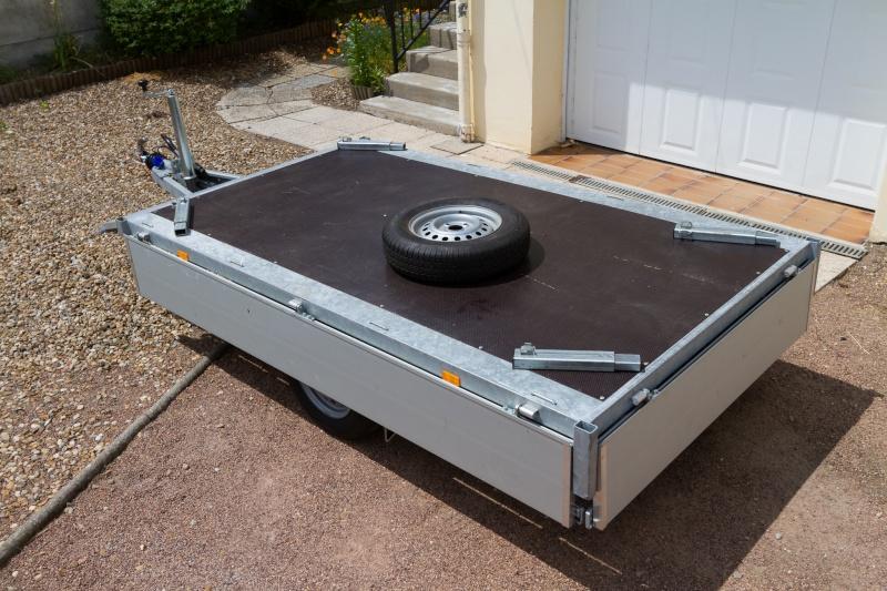 vends remorque eduard 1000kg de ptac 256x150cm vendue. Black Bedroom Furniture Sets. Home Design Ideas