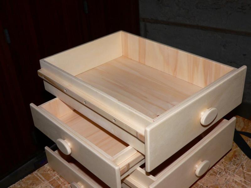 Petit meuble de rangement de bureau for Petit meuble sous bureau