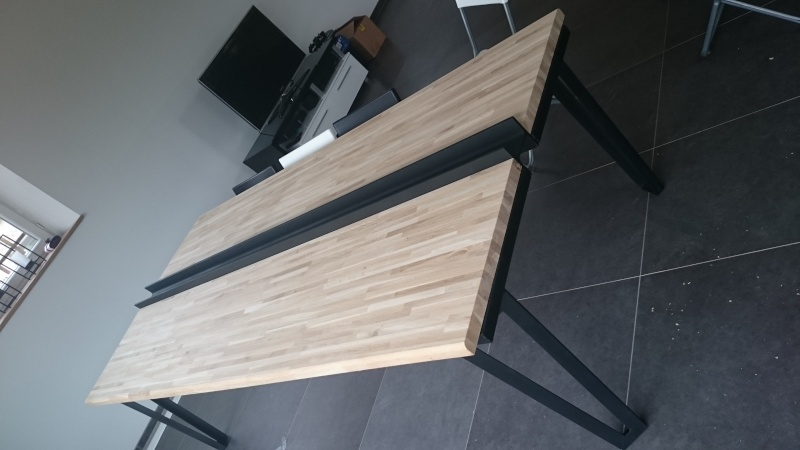 defonceuse sous table une table de salon bois m tal. Black Bedroom Furniture Sets. Home Design Ideas