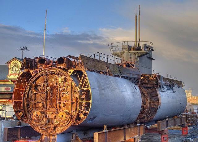 Le u 534 renflou for Interieur u boat