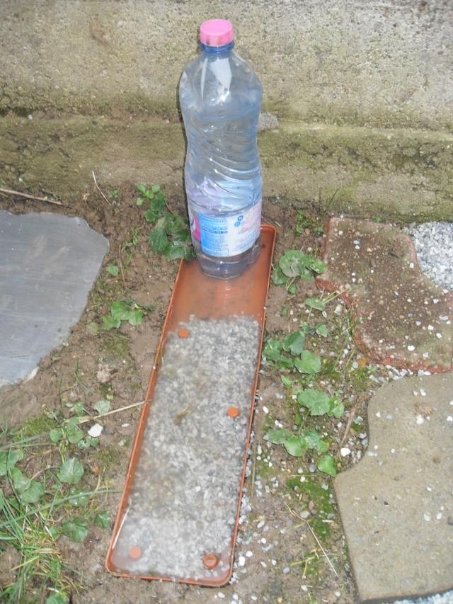 Tuto pour un abreuvoire avec reservoir d eau - Fabriquer abreuvoir poule ...