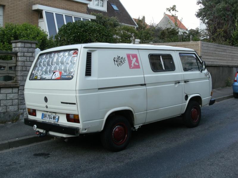 Voitures crois es dans la rue for Garage volkswagen rue de la voute