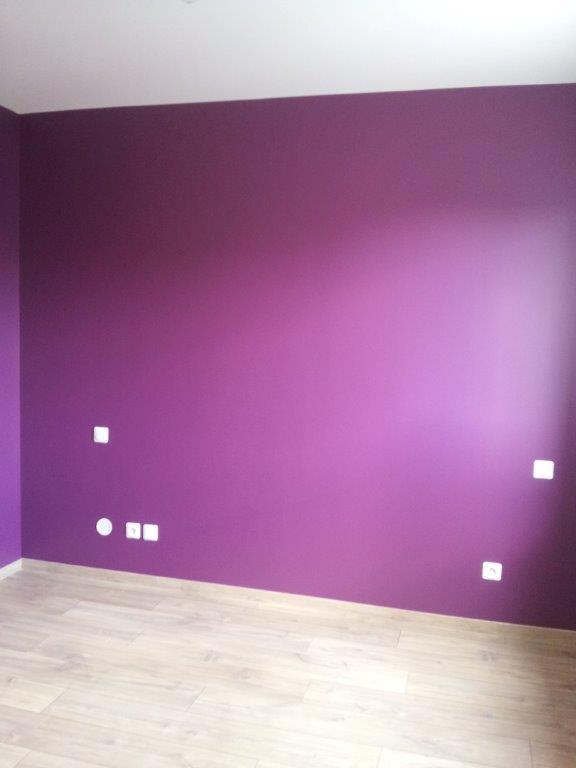 D coration de la chambre parentale peinture couleur prune et lin - Chambre prune et blanc ...