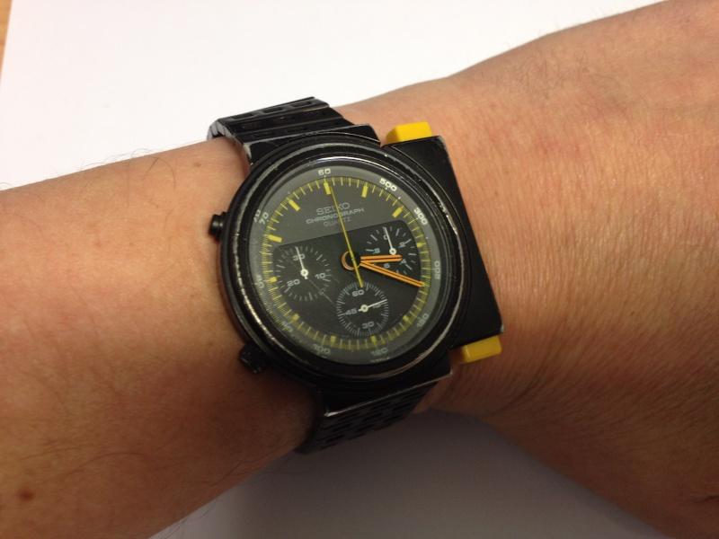 je cherche acheter deux de ces montres seiko 7a28 7000. Black Bedroom Furniture Sets. Home Design Ideas