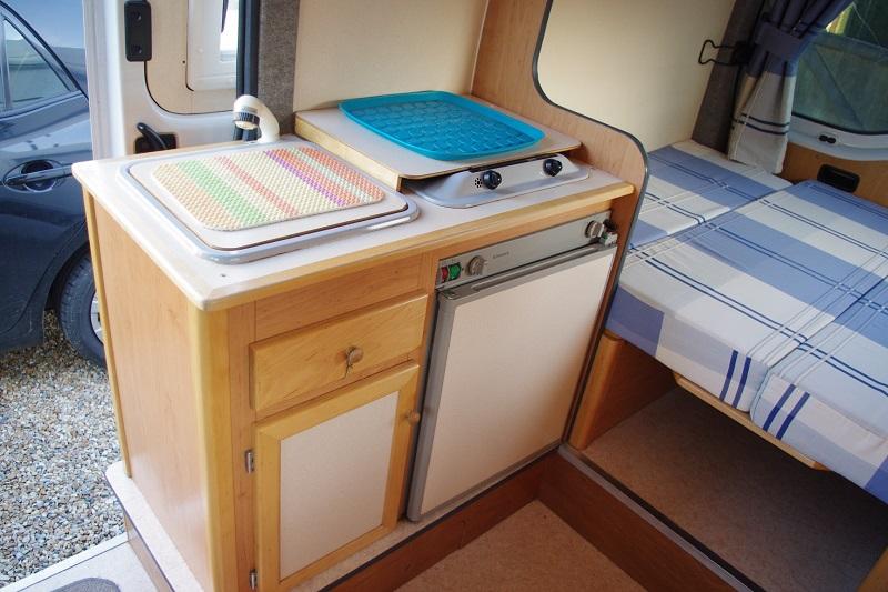 5 heures pour d monter un frigo changer la r sistance c for Caravane chambre 19 meubles